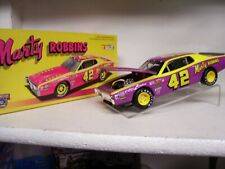 1:24 1974 DODGE CHARGER #42 MARTY ROBBINS  ACTION