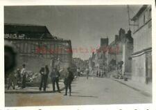 2 x Foto, Wk2, N.E.A.4, Fahrt durch Auxerre, Frankreich, 1940 (G)21081