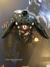 Hot Toys Batman Arkham Knight blindado Camo Camisa VGM28 Suelto Escala 1/6th