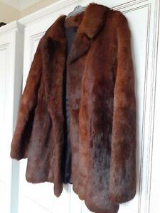 LADIES VINTAGE SHORT BROWN CONEY RABBIT FUR COAT, SIZE 12/14 EXCELLENT CONDITION