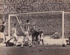 Calcio-Football Foto Azione Bologna-Juventus 1963, Pascutti-Nielsen-Leoncini