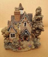 E* Lilliput Lane Cottages The Gables Cottage Blaise Hemlet sculpture house