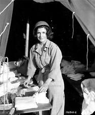 Photo. WW2. Normandy, France. Army Corpse Nurse Preparing Dressings