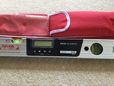 New Sola710504RS Laser Spirit Level 635-650nm Laser Wavelength complete with Bag