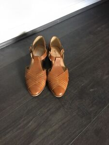 NEW Tan Leather SHUBAR SANDALS. SIZE 38