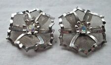 1950'S SIGNED BED SILVER MESH FLOWER WITH A RHINESTONE CENTER MIXED MATERIALS