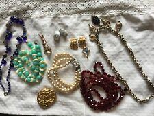 Lot de bijoux fantaisie vintage