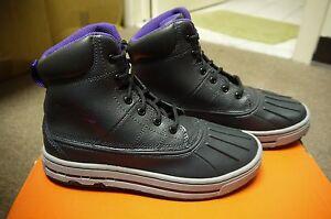 Girl's Nike Woodside (PS) boots U.S. Size 1.5Y EUR 33 Purple/Gray/Black