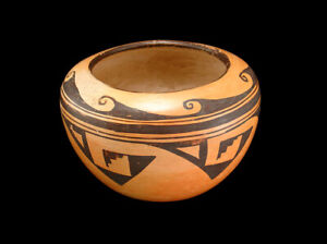 BEAUTIFUL OLD HOPI POT with WONDERFUL DESIGNS!  NO RESERVE