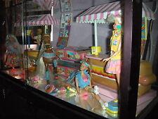 Barbie's California Dream Hotdog Stand/Barbie/Ken All AmericanHamburger Stand