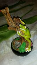 Climbing Green Tree Frog on a Log Garden Home figurine 6""