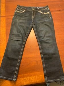 Miss Me Jeans Mid-Rise  Easy Crop Very Nice Embellished Pockets size 34
