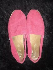 Womens Size 6 Fuschia Freetown Perforated Toms