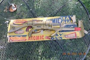 Antique MARX Captain Space Solar Scout Official Atomic Ray Gun Gold W/ Box RARE