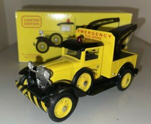Eastwood Automobilia Club 1931 Ford A Wrecker Truck 1/25 Diecast Coin Bank 1993