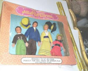Vintage Shackman Dollhouse Kate Greenaway Posable people Family Set w box 2263