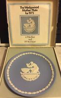 Wedgwood 1973 Mothers Day Plate Pale Blue England