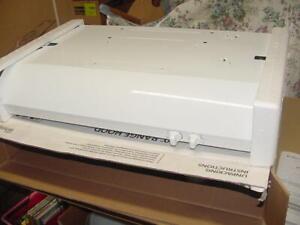 Whirlpool White Convertible Under Cabinet Range Hood UXT4230ADW 30 225 CFM Light