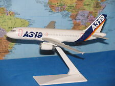 1/200 AIRBUS HOUSE AIRBUS A319 AIRCRAFT MODEL ***VHTF & RARE***