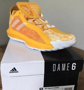 Adidas Mens Damian Lillard Dame 6 SM Team Shoes FV7074 NIB Gold Hecklers Sample!