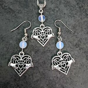 Antique Silver Tone Claddagh Heart With Opal Beads Necklace & Earrings Set