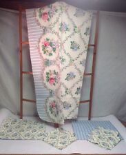 VINTAGE TABLE LINENS FLORAL SET