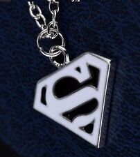 Superman Negro-Blanco Colgante Collar con cadena color plata de logotipo Super Man S