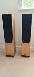 Spendor A5 Speakers in light oak. Excellent condition, floor standing speakers