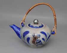 Westerwald - alte Teekanne mit Vogel-Dekor - Ritzsignatur