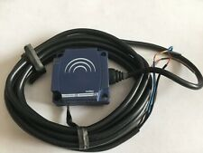 Telemecanique XS8C1A1PAL2 Inductive Proximity Switch