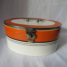 sehr schöne alte Keramik Deckeldose creme/orange mit Metallmontur Art Deco oval