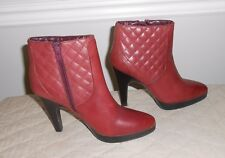 Isaac Mizrahi Selena Cranberry Quilted Leather High Heel Platform Ankle Boot 5.5