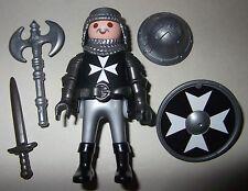16483, Ritter, Malteser, Kreuzritter, mit Helm, Doppelaxt, Schwert und Schild