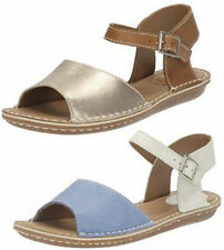 Patternless Wide (E) Sandals & Beach Shoes for Women