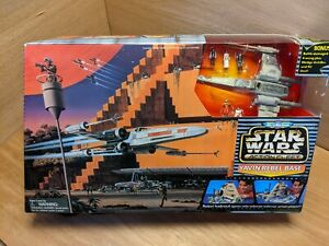 Star Wars Action Fleet Micro Machines Yavin Rebel Base Set w/ xwing