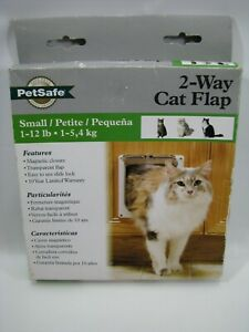 NEW PetSafe 2-Way Cat Flap Small 1-12 lb Pet Safe CD10-050-11 Dog Doggy Door