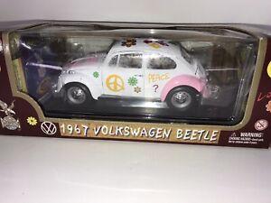 Diecast 1967 VW Beetle Flower Power 1:18