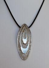 schwarze Halskette 52 cm Anhänger 6 cm oval silberfarben Glitzer *NEU*