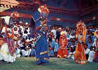NEPAL Postkarte Postcard color AK Einheimische Native Masked Dance Masken Tänzer