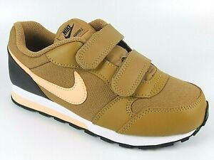 Nike MD Runner Girls Shoes Trainers Uk Size  11.5 - 2.5   807317 700