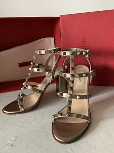 ROCKSTUD METALLIC ANKLE STRAP SANDAL 60 MM 38