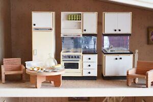Cuisine et accessoires LUNDBY, années 80, maison poupées