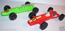 lot DEUX VOITURES DE COURSE F1 ANNEES 1970 VERT ROUGE