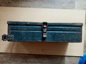 WW2 ORIGINAL GERMAN WEHRMACHT METAL BOX.