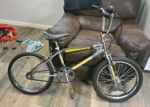 1984 SAINT TROPEZ AEOROLITE COUGAR TECH-266 MONGOOSE OLD SCHOOL BMX RARE GUSSETT