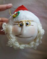Vintage 1983 santa FACE pillow  Ornament Christmas decoration pre-owned GIFTCO