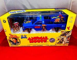 NHRA Animal House 1:24 Diecast MUSCLE MACHINES Racing 4x4 MONSTER TRUCK Crusher