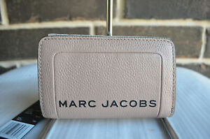 RARE NWT $165 MARC JACOBS The Textured Box Compact Wallet M0015105 Beige