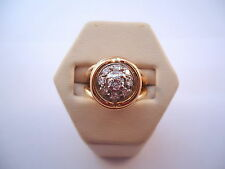 BELLE BAGUE RONDE EN OR 18K ET PLATINE, DIAMANTS, or 18 carats.