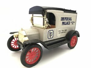 Ertl 1913 Ford Model T Van Imperial Palace 1:25 Scale Coin Bank